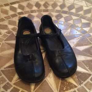 Earth Spirit Black Leather Shoes